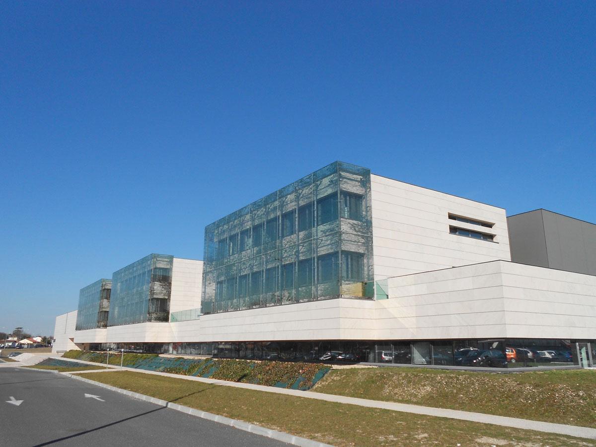 Institut_des_Sciences_de_la_Vigne_et_du_Vin